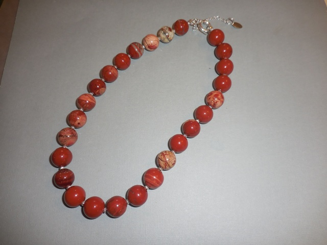Collier perles rondes de 14 mm jaspe rouge